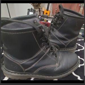 Dr. Martens Shoes - Black Boots Dr. Martens